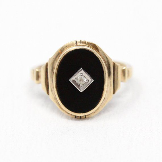 Vintage Onyx Ring Retro 10k Rosy Yellow Gold Oval Black Onyx Etsy Vintage Onyx Ring Retro Jewelry Vintage Onyx Ring