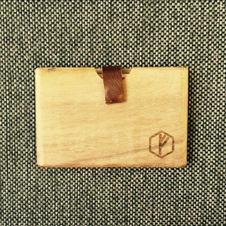 Tömör fából készítettHANDMADE pénztárcáink egyenesen Hollandiából érkeznek hozzátok. Rendkívül praktikus, egyedi és vagány! Névjegykártyatartónak is ajánlott.// Our #woodenwallets are really practical and fancy accessories for everyone. Get yours!! . ◾1077 Budapest, Wesselényi 35. HU ➡ www.vinylandwood.hu EN ➡www.vinylandwood.com . #vinylandwood #floki #woodenwallet #fashiondesign #fashionaccessories #djlife #clublife #ibiza #ibiza2016 #welovebudapest #BDPST #Budapest #Hungary