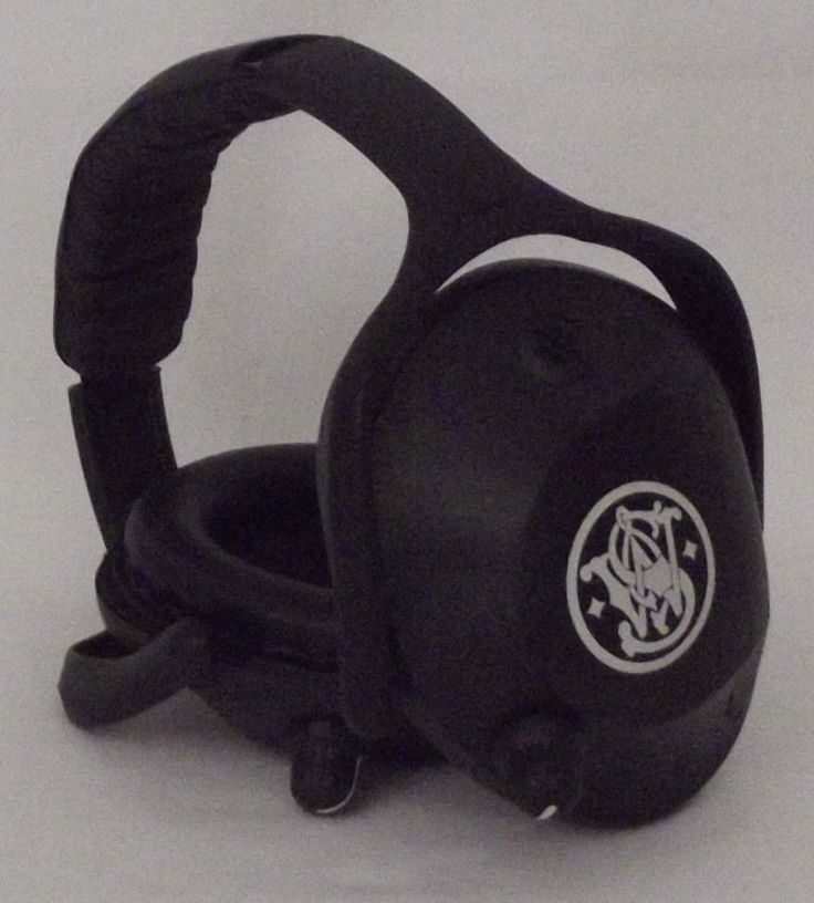 Bid Now Ending Soon! Smith and Wesson Electronic ear Muff   Used and working #SW