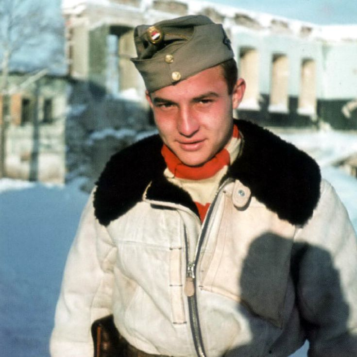 World War II in Color: Fähnrich Gynes from Hungarian Fighter-Bomber Squadron