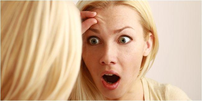 Vemale.com - Garis kerut ini sering disebut sebagai tanda penuaan dini, yang bahkan mungkin muncul pada wanita usia 20 tahunan. Ini cara mengatasinya...