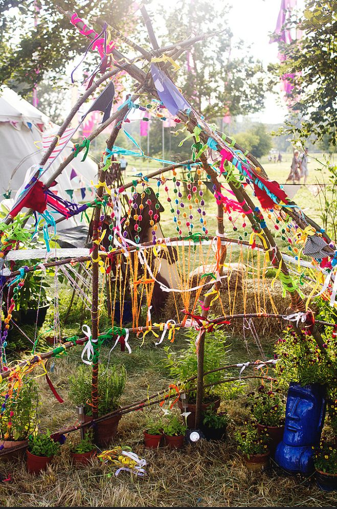 Artsy tent for a fun summer project! Read my article on making art with grandchildren