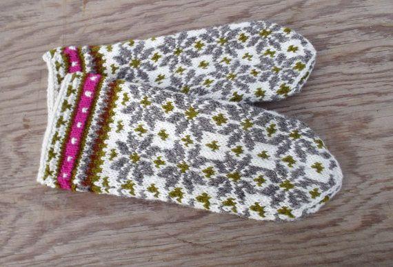 hand knit wool mittens hand knitted latvian by peonijahandmadeshop