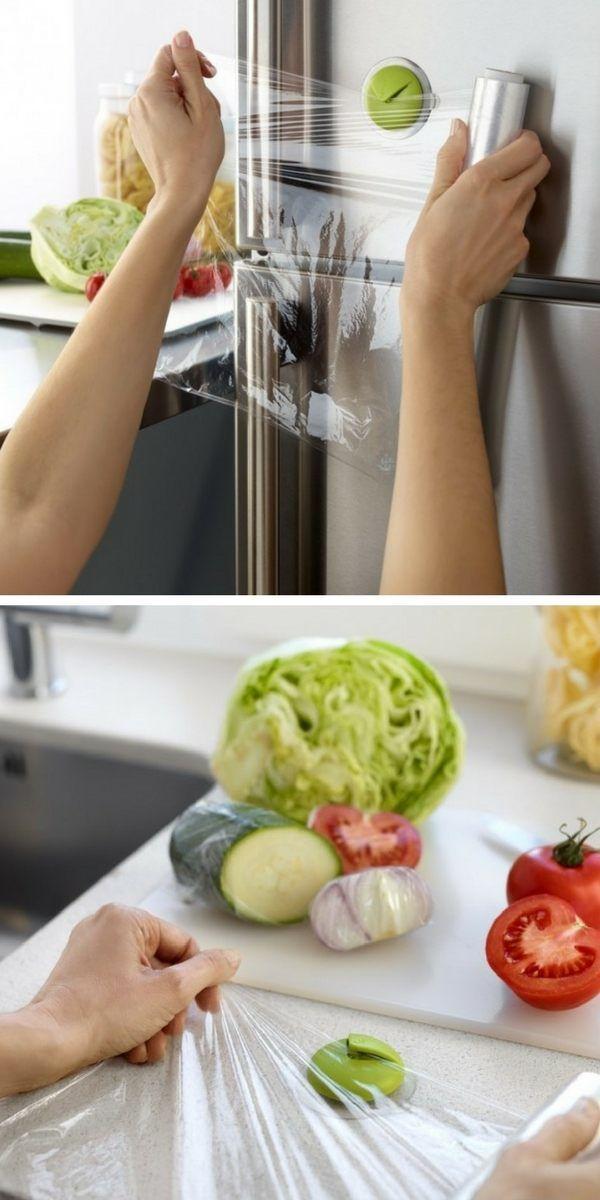 Cet accessoire malin et innovant vous permet de découper le film alimentaire facilement et rapidement. Sa ventouse adhère à toutes les surfaces pour l'avoir à portée de main, partout dans la cuisine !