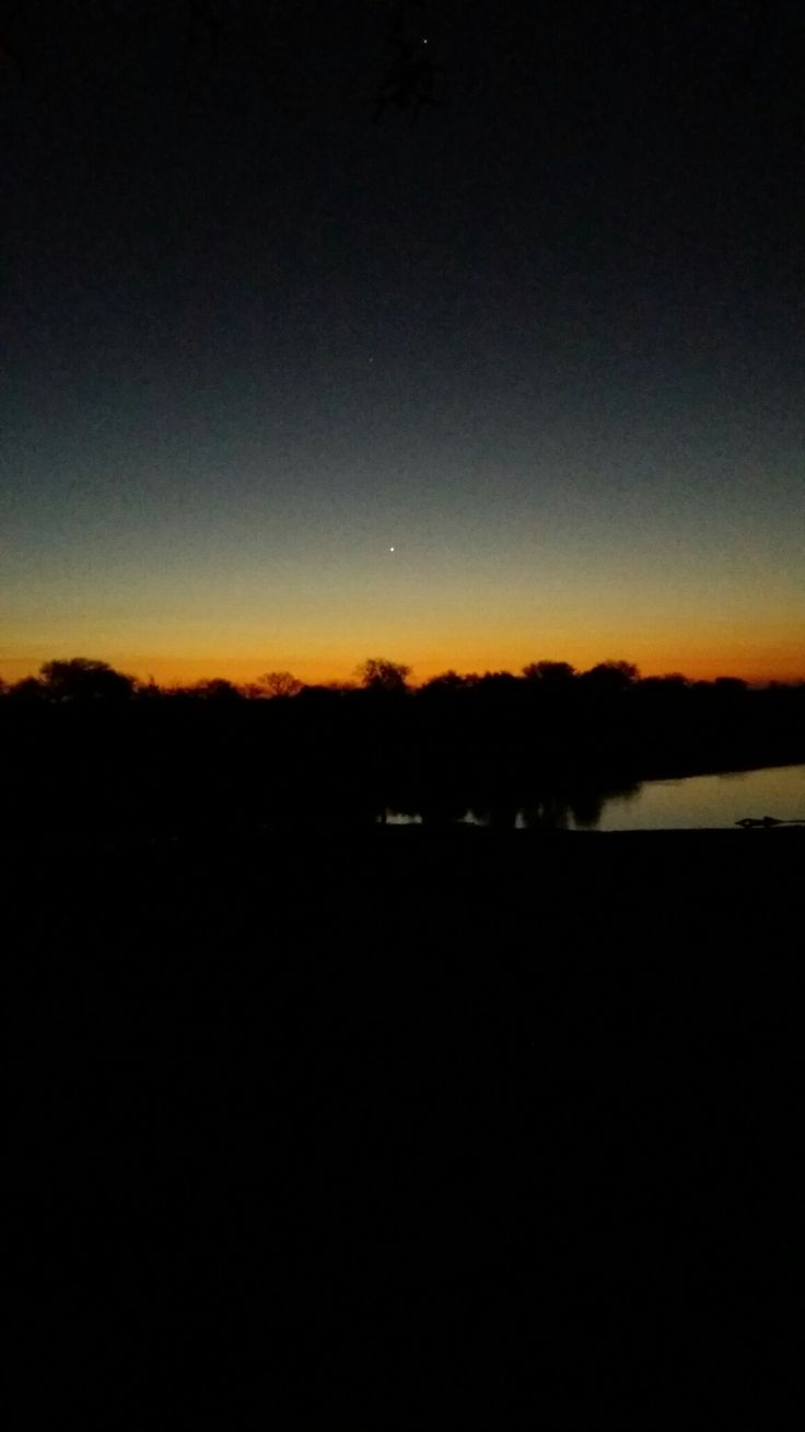 @theresajoy_m | sunset | African skyline
