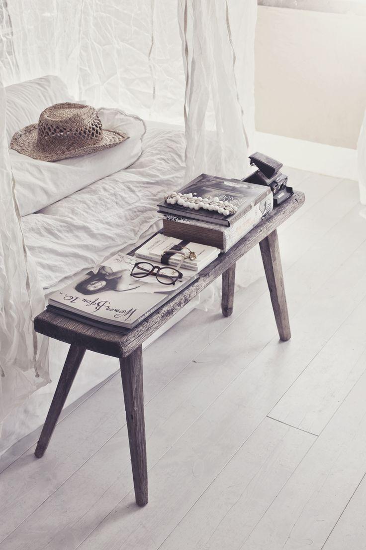 Drewniana ławeczka