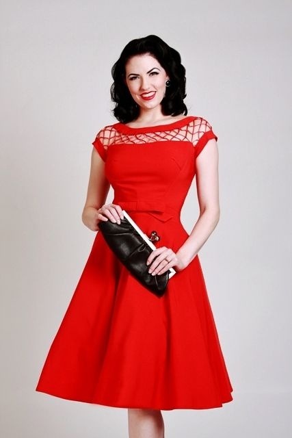 La robe alika evasee rouge vintage clothing pinterest for Robe rouge évasée