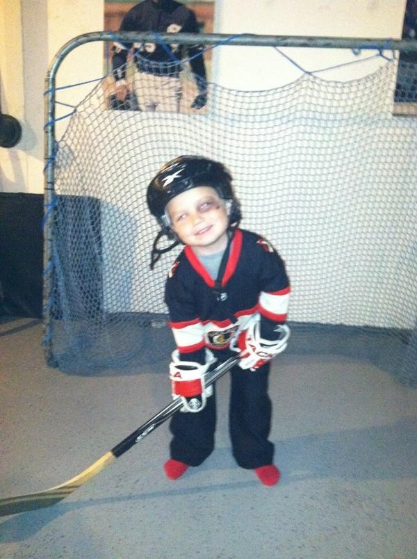 Someone's ready to get some candy (or at least goals) tonight for #HockeyHalloween. Thanks for sharing, @e_pow310!