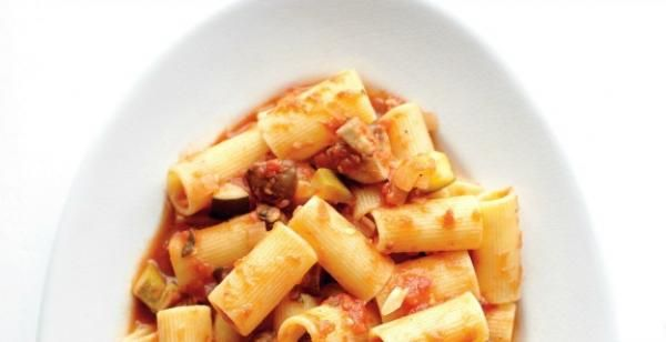 fresh rigatoni with bolognese bolognese sauce with rigatoni of freshly ...