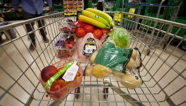 Provinciales | UNLPam dió a conocer el ÍPC de La Pampa y arrojó una variación de precios de 239% en el 2017  Se dio a conocer el Informe de enero a diciembre de 2017 con los datos del Indice de Precios al Consumidor (IPC-LP) proyecto que surgió hacia fines de 2015 a partir de una iniciativa del gobernador de la Provincia Carlos Verna de trabajar en conjunto para su elaboración con la Universidad Nacional de La Pampa.  Los resultados arrojaron que el 3327% corresponde a alimentos; el 1535% a…