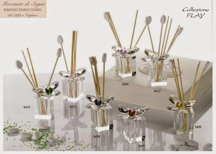 """Mercante di Sogni - Voghera - Bomboniere e Stampati dal 1969 - Vendita ai privati  """"FLAY""""  Farfalle e fiori in cristallo vari colori. Eleganti e raffinate composizioni realizzate con: metallo a bagno d'argento 925 trattato, vetro, cristallo.  Piantine con farfalle Farfalle - Fiori Profumatori sferici e in cristallo  Read more: http://mercantedisognivoghera.blogspot.com/#ixzz3NKGO37vn"""
