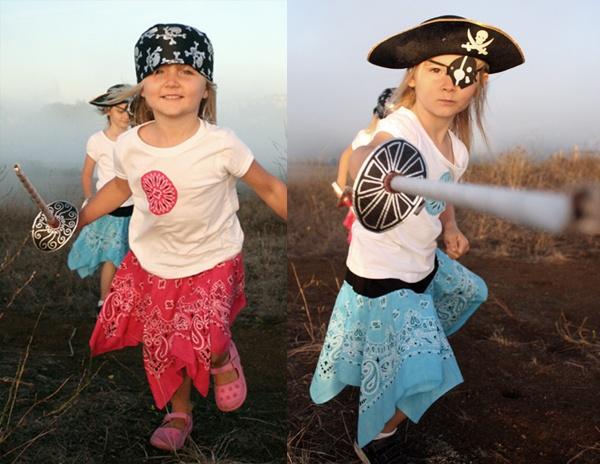 tutorial: how to make pirate sword and costumesPirates Crafts, Kids Stuff, Diy Halloween Costumes, Pirates Parties, Bandanas Skirts, Girly Girls, Pirates Costumes, Pirate Costumes, Costumes Ideas