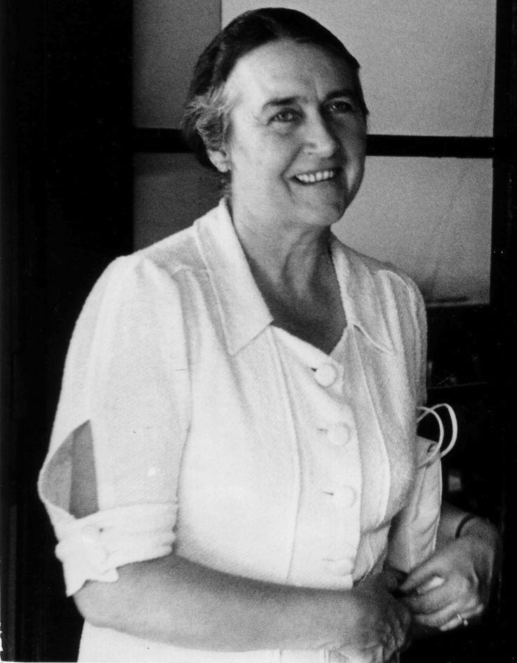 1938; Emma Jung, 46 ans, à Eranos