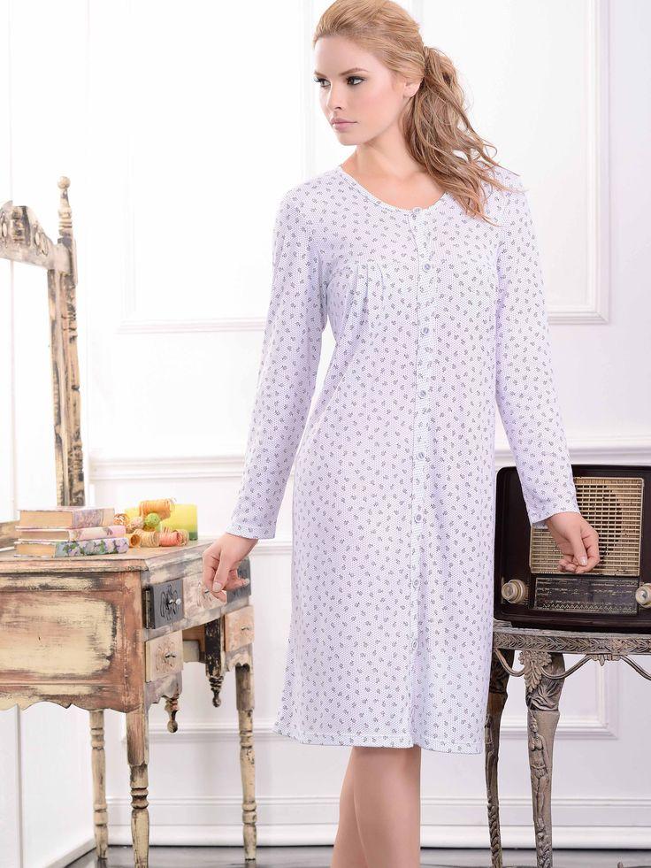 Batola / Sleepdress / 32940 Confortable pijama con delicado y romántico estampado. Tiene prácticos bolsillos y botones frontales Tallas / Sizes / S - M - L - XL - XXL