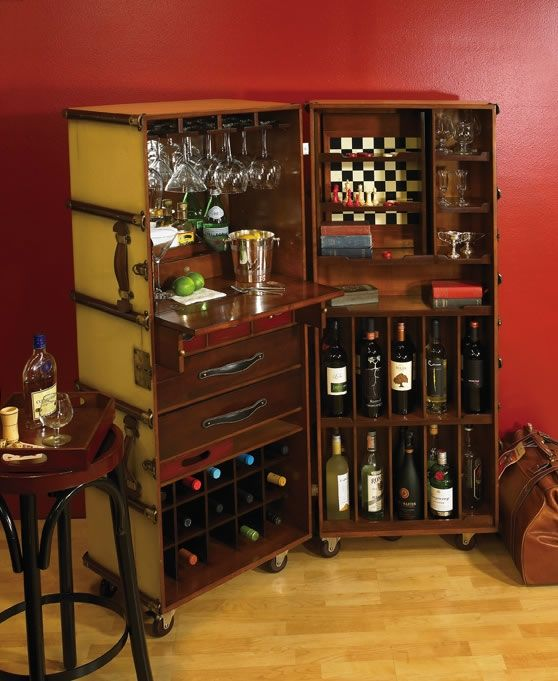 turn an antique steamer trunk into a bar - @Mary Wakefield this would be good for downsizing!