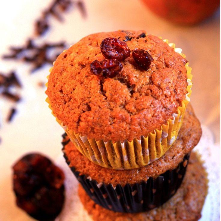 Muffin integrali alla mela e cranberry al pain d'epices