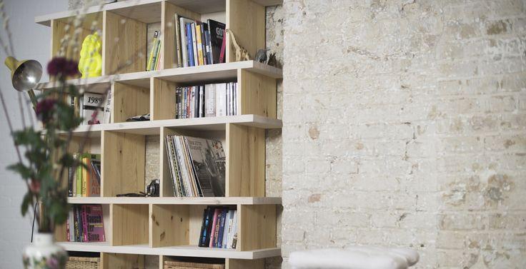 ber ideen zu b cherregal massivholz auf pinterest b cherwand b cherregale und regale. Black Bedroom Furniture Sets. Home Design Ideas