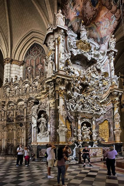 Toledo Cathedral, España  http://www.toledo-turismo.com/en/cathedral-museum_75