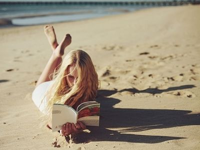 8 Best Reads for The Beach …  When you're thinking about your beach essentials, don't forget to pick up some good reads for the beach! Toting along a great beach read is …