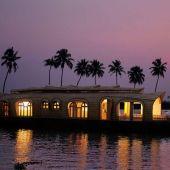 Santra Houseboats