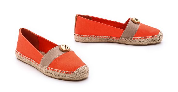 TORY BURCH - BEACHER SHOES - PLAC TRZECH KRZYŻY http://www.plactrzechkrzyzy.com/product/_espadryle_beacher-tory_burch-9594.html