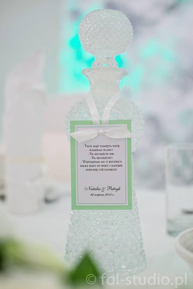 Fiolinea - Ślubna Galanteria Papiernicza: Pistacjowe wesele Natalii & Patryka w Pałacu Krotoszyce