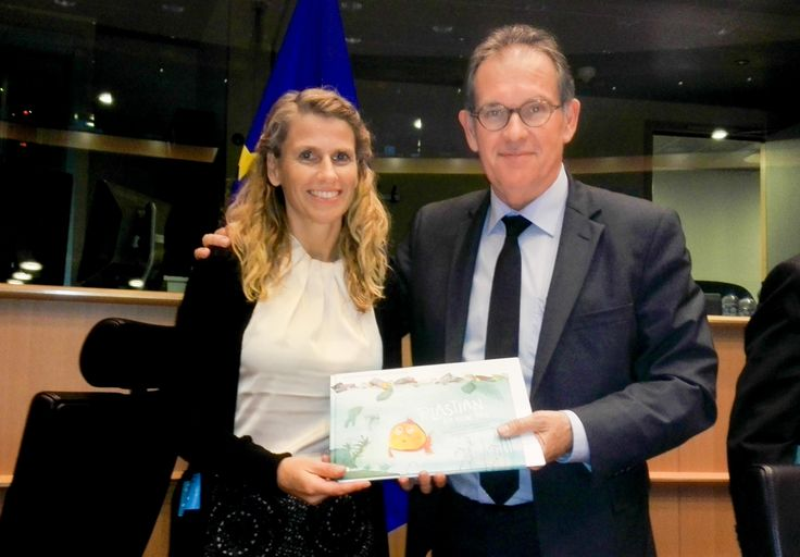 Our Plastian Book is now finally available in PRINT copy as well as Kindle Version! Get it on our website at www.wastefreeoceans.org.  In the picture the author, an Austrian teacher, and Alain Cadec, Member of the European Parliament, when it was presented there.   #oceanlover #nature #sustainable #environment #change #passion #fishing #trashfree #fashion #green #geometric #book #plastian #wastefreeoceans