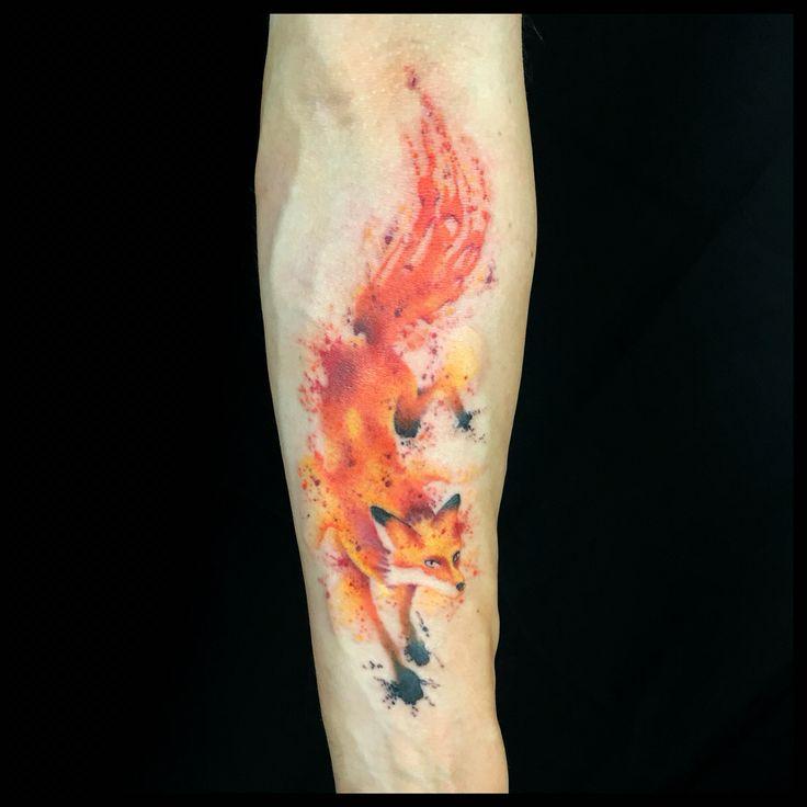 Watercolor fox tattoo by @inkyoursoul on instagram!