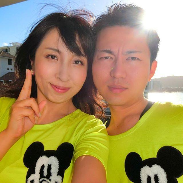 【ma819tsu】さんのInstagramをピンしています。 《ペアルック(●´ω`●)❤ #笑#ミッキー#青空#海#Mickey#power#Disney#黄緑#Tシャツ#目立つ#インスタ映え #ペアルック#仲良し夫婦#ハワイ#だいすき#セグウェイの日#楽しかった》