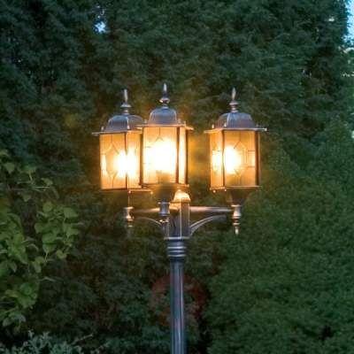 Prezzi e Sconti: #Lampada su palo a 3 luci milano in in Alluminio vetro acrilico  ad Euro 376.90 in #Konstsmide #Illuminazione esterna lampioni