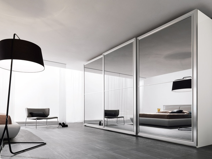 Spar Closet... Is designed to have everything in perfect order. http://spar.it/ita/Catalogo/Notte/PACIFICO/Default-cc-211.aspx