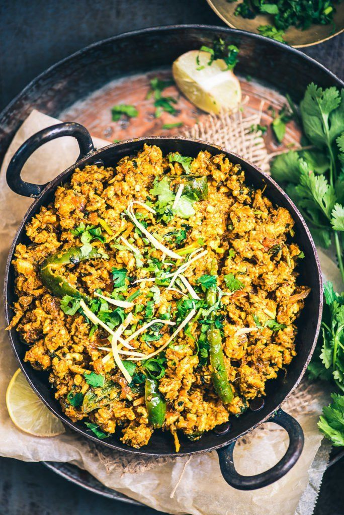 This Karahi Chicken Keema dish which is a medley of onion, tomatoes, spices and chicken keema can be served along with both rice and roti. #Chicken #Curry #Indian