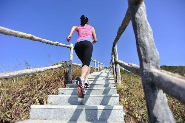 Zonder moeite meer sporten: 10 tips voor de verbeten luilak