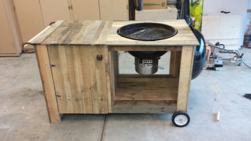 Weber grill cart out of pallets