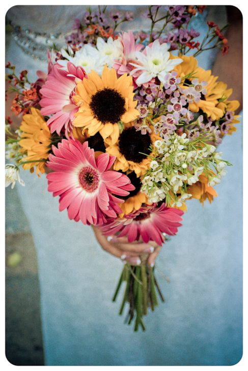 sunflowers and gerber daisy.. Add a few peonies and I'm in love