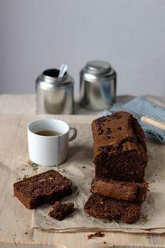 Chocolate zucchini bread / chocolade courgettebrood met noten en rozijnen | Yellow lemon tree