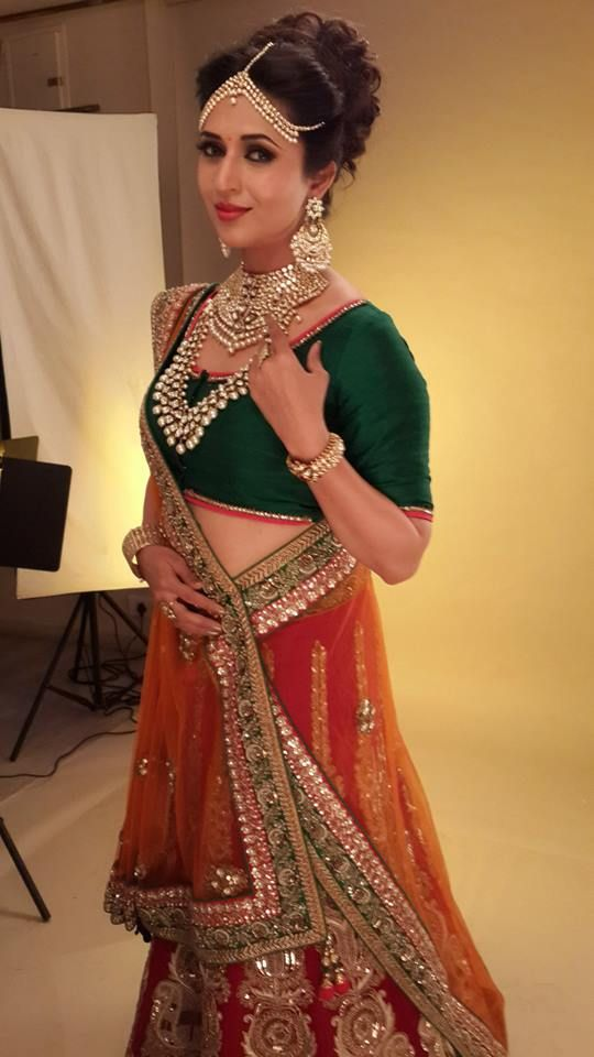 Divyanka Tripathi Bikaneri Jewellery Catalogue Shoot Pics,Divyanka Tripathi Facebook Page photos