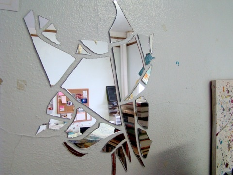 I kinda wanna break a mirror just so I can put the pieces up on my wall... :-)  A friend of mine did this years ago and I loooooved it!Google Image, Mirrors Wall, Dorm Room, Mirrors Art, Tables Centerpieces, Shattered Mirrors, Better Frames, Kinda Wanna, Bad Luck