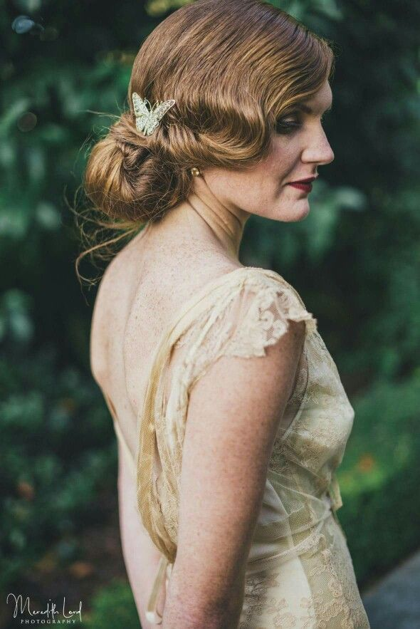 My gorgeous bride Jenna  I was so excited to be involved in this special wedding . Jenna was having a gatsby inspired wedding.  This stunning image was by Meredith Lord Photography  Hair Loco hair nz  Venue The Old church Napier NZ  #hawkesbay #hairup #nzweddings #nzweddingstylist #dreamwedding #hairsalon