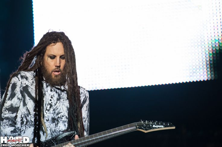 Brian Welch, Korn - Hellfest 2013 by Fred Moocher