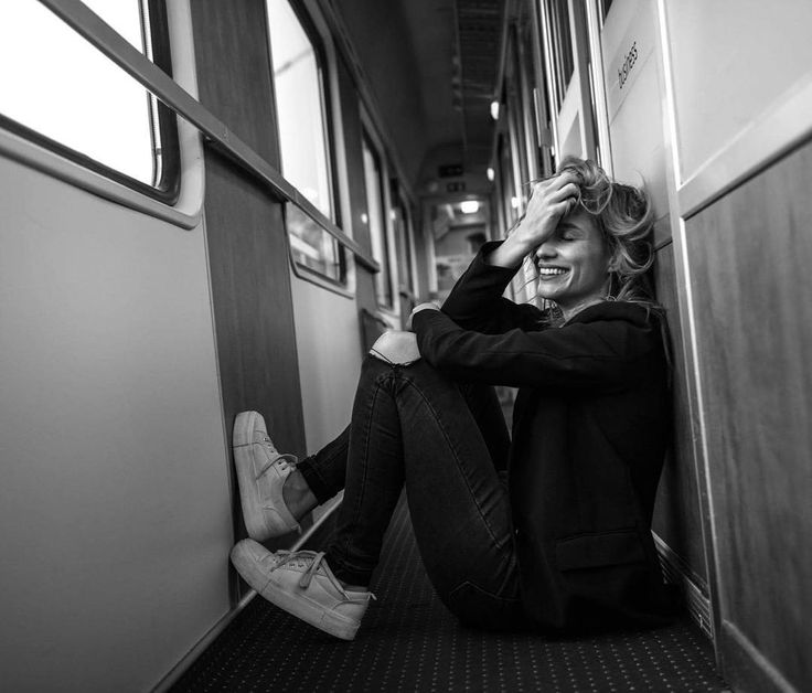 One more photo from the photoshooting with my friend @ondrejpycha_photography!This happened when we just met on the train!Love it😘❤#photoshooting #actress #train #hanavagnerova #goinghome #friends #blackandwhite #loveit