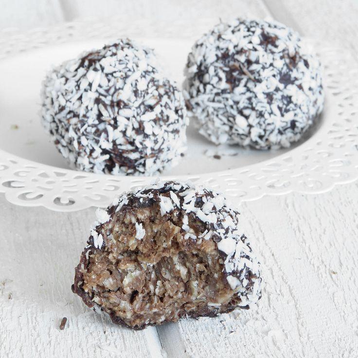 Lyxiga, chokladdoppade kokosbollar som ärljuvligt goda!