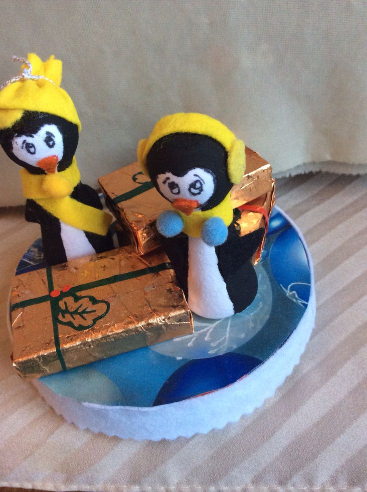 Penguins with gift packages