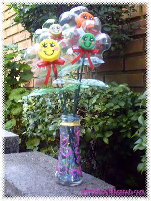 Flores bem Coloridas de Garrafa PET em vaso