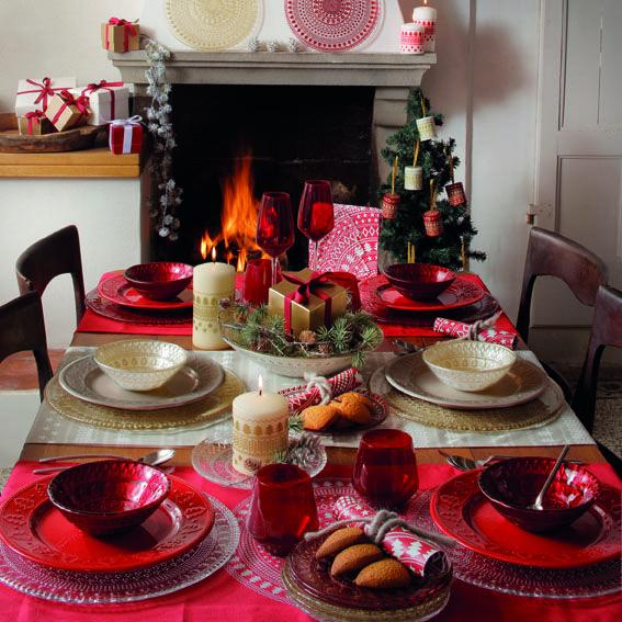 La tavola di Natale: l'atmosfera è magica con IVV