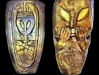 Mayan artifacts depicting aliens  This video shows Mayan artifacts depicting aliens and alien craft. Some of the artifacts have been protected by the Mexican government for 80 years.     Many images of individual artifacts are shown in this video.  In addition, this video also contains analysis of some of the artifacts by Nassim Haramein and Klaus Donna.    http://youtu.be/IPnbYsjgnFE