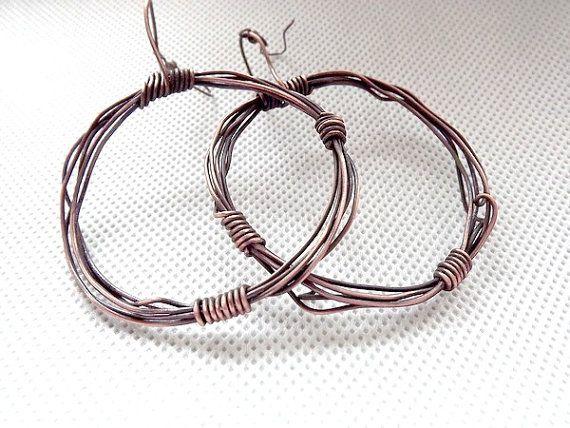 Boho copper wire hoop earrings. Copper earrings.