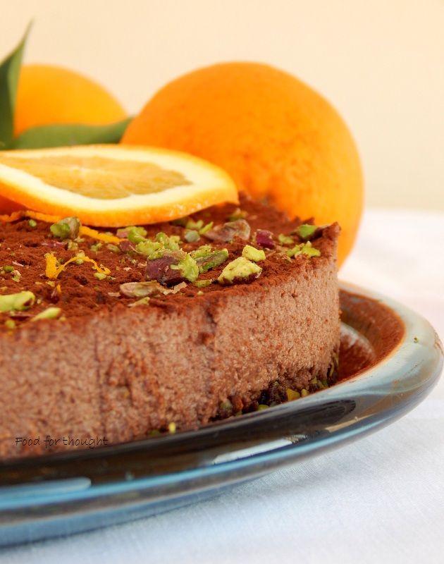 Food for thought: Ωμοφαγική τάρτα σοκολάτας με πορτοκάλι και φιστίκια Αιγίνης