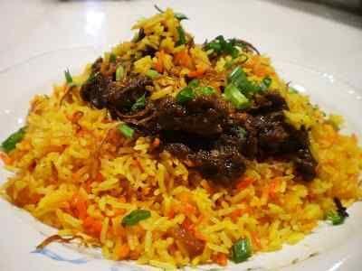 Nasi Briyani - Berikut ini ada cara membuat video resep nasi briyani ayam atau kambing dengan rice cooker ala farah quinn asli india atau timur tengah arab paling enak.
