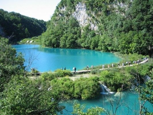 PLITVIČKA JEZERA, CROATIA  PLITVICE LAKES  Chain of 16 wondrous lakes formed as a result the gradual dissolution of soluble layers of bedrock